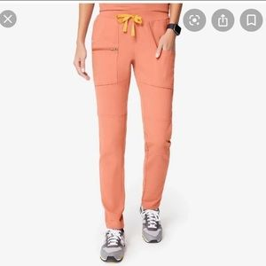 Figs Limited edition Yona Coral scrub pants